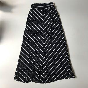 Merona maxi striped skirt white black small